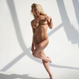 Top modelka Katie dzwoni do dziewczyn 7 Escort Berlin całuje się z językiem, rezerwacje hoteli z sympatią